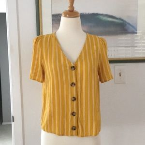 Mustard too with buttons